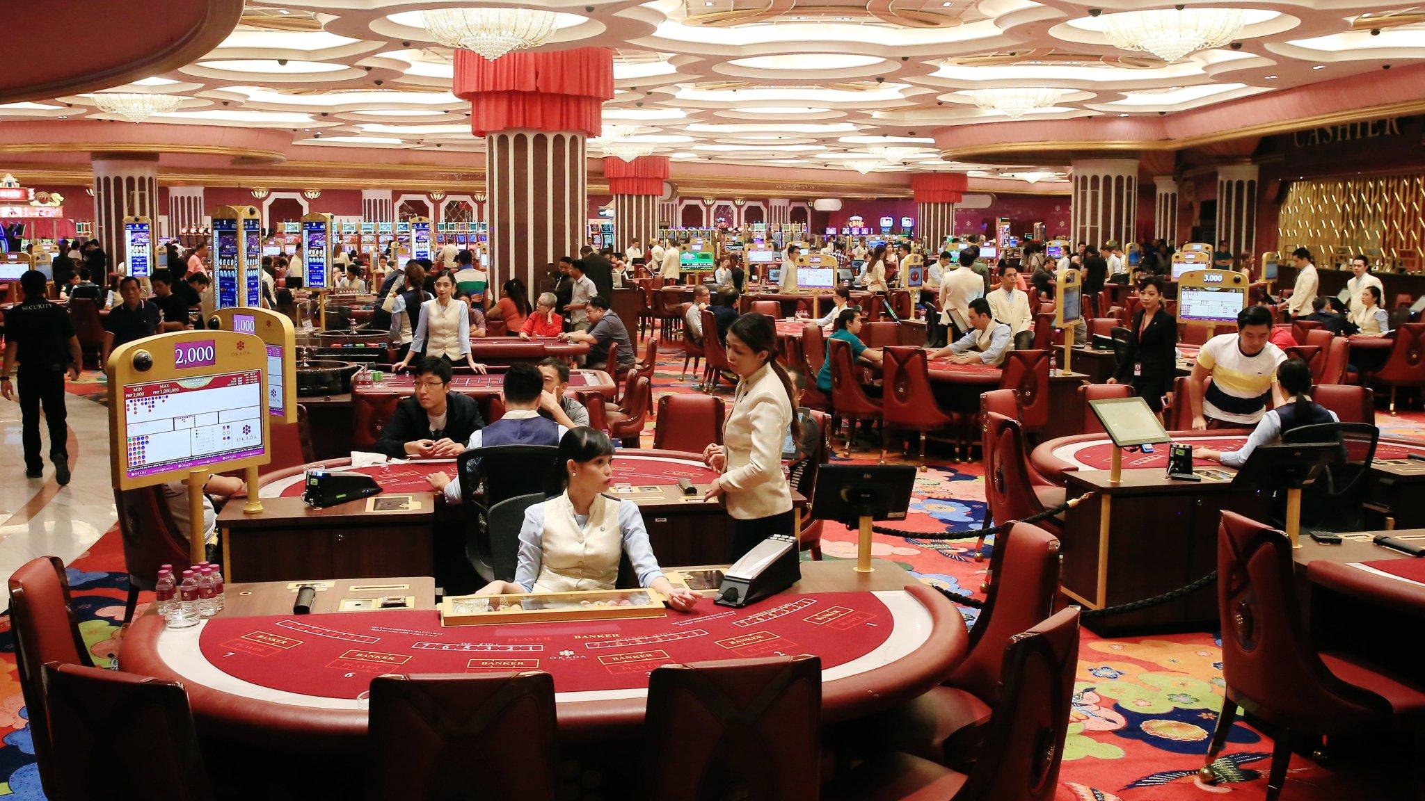 Dealer In Casino